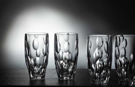 �M�m c�lem bylo propojit tradici a kvalitu ru�n� vyr�b�n�ho skla s preciznost� a mo�nostmi skla lisovan�ho,� ��k� Roman Kvita.