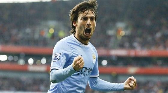 EUFORIE. David Silva z Manchesteru City otevřel v 18. minutě skóre v duelu s...