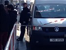 Kriminalisté vyšetřují loupež ve zlatnictví v ulici Jana Želivského v Praze 3