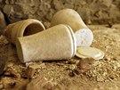 Kamenné nádoby na uložení mumifikovaných ostatků