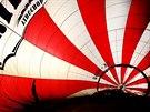 Pokus o rekord v balonov�m l�tan� u p��le�itosti 65. narozenin brn�nsk�ho...