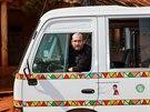 Inici�torem projektu Toulav�ho autobusu byl �editel Zoo Praha Miroslav Bobek.