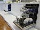 Myčka na nádobí. V režimu intenzivního mytí se spustí generátor horké páry a...
