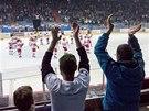 POSLEDNÍ DĚKOVAČKA. Hokejisté Hradce Králové právě vypadli z play-off, fanoušci