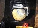 Chebští kriminalisté našli téměř dva a půl kilogramu pervitinu v obalu tenisové