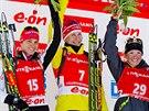 Tři nejlepší biatlonistky závěrečného závodu Světového poháru v oslu. Zleva...