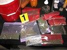 U muže doma našli policisté pěstírnu a také připravené usušené konopí.