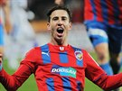 PLZE�SK� HRDINA. Z�lo�n�k Milan Petr�ela euforicky slav� g�l na 2:0 proti...