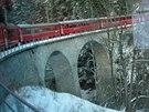 Vláček z Chúru do Arosy a Langwieser viadukt