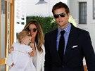 Gisele B�ndchenov� s man�elem Tomem Bradym a dcerou Vivian Lake