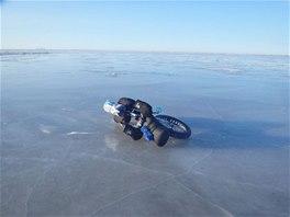 Přes zamrzlé Beringovo moře. Vážně zamrzlé?