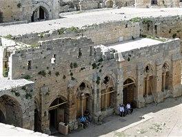 Pohled na rytířský sál syrského hradu Krak des Chevaliers. Snímek pochází z