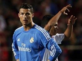 CO S T�M. Cristiano Ronaldo po g�lu, kter� Realu Madrid vst�elila Sevilla.