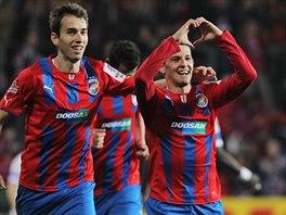 Patrik Hrošovský (vpravo) se raduje, právě zvýšil vedení Plzně proti Liberci na 4:0.