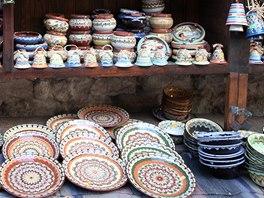 Tradiční bulharská keramika se k nám hojně dovážela v sedmdesátých a