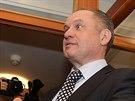 Prezidentský kandidát Andrej Kiska přichází 29. března večer do své volební...