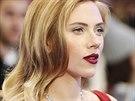 Těhotná Scarlett Johanssonová na britské premiéře filmu Captain America: Návrat...