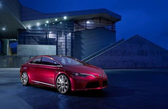 Koncept Toyota NS4 Plug-In Hybrid