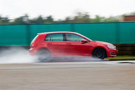 Test pneumatik provedl Autoklub ČR v Německu