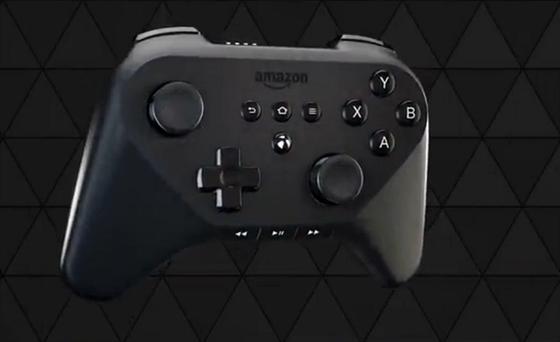 Herní ovladač pro Fire TV od Amazonu. K set-top boxu jich lze připojit několik.