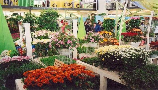 V�stavi�t� Flora Olomouc b�hem kv�tinov�ch v�stav