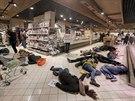 Ruské jídlo je jed. Happening za bojkot ruského zboží v kyjevském supermarketu...