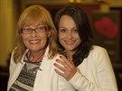 Jana Šulcová (vlevo, na snímku s kolegyní Vendulou Křížovou) v únoru oslavila 67. narozeniny.