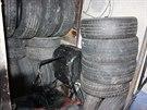 Výsledek domovní prohlídky u pětice zadržených, která si krádežemi aut a jejich...