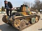 Předválečný československý tank LT vz. 38, který už několik let slouží při...