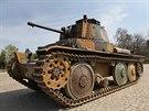 Jedno z pojezdových kol už mechanici z VOP Nový Jičín odmotovali, tank je i tak...
