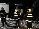 Oba kamiony začaly po nehodě hořet (8. dubna)