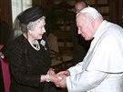 Britsk� kr�lovna Al�b�ta II. a Jan Pavel II. p�i spole�n�m setk�n� u...