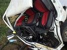 Pohled na zdemolovanou kabinu mal�ho n�kladn�ho vozu po nehod� v Kozmic�ch. (7....