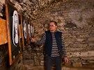 Ondřej Daněk, správce zámku v Novém Městě nad Metují, ukazuje interaktivní...