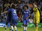Fotbalisté Chelsea se radují po postupu do semifinále Ligy mistrů přes Paris...