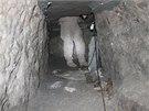 Američtí policisté objevili dva propracované tunely, které měly patrně sloužit