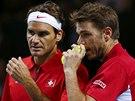 JAK NA SOUPE�E. �v�carsk� hv�zdy Stanislas Wawrinka (vlevo) a Roger Federer ve