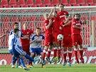 Trestn� kop fotbalist� Znojma v utk�n� s Brnem zu�itoval Emir Zeba.