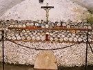 Kostnice s křížem