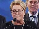 Quebecká premiérka Pauline Maroisová přiznává porážku ve volbách.