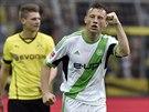 A JE TAM. Ivica Olič z Wolfsburgu se raduje z trefy, kterou vstřelil do sítě...
