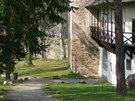 Nádvoří hradu Zvíkov je překvapivě útulné