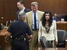Anu Trujillo (vpravo) texaský soud shledal vinou z vraždy, kterou spáchala...