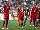 NEOBVYKL� POHLED. Fotbalist� Bayernu Mnichov po proh�e.