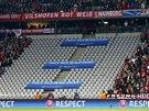TREST ZA RASISMUS FANOUŠKŮ. Část tribuny na stadionu Bayernu Mnichov při utkání