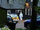 Policie v domě ve Wrothamu v Kentu, kde našli mrtvou Peaches Geldofovou (7....