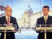 Premiér Bohuslav Sobotka (�SSD) a ministr financí Andrej Babi� (ANO)