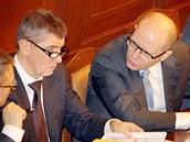 Ministr financí Andrej Babi� (ANO) a premiér Bohuslav Sobotka (�SSD)