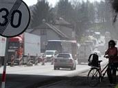 V Havlí�kov� Brod� se za�ala opravovat Lidická ulice. Zú�ení �ty�proudé tepny...