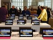 Tolik tablet� Microsoft Surface pohromad� se hned tak nevidí. A v �R nejspí�e...
